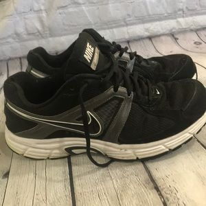 Nike dart 9 running shoes men 9.5